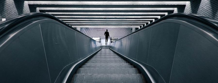 escalator-828621_1920